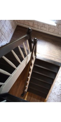 Лестница с поворотом на 180 градусов с площадкой сосна + берёза (престиж)