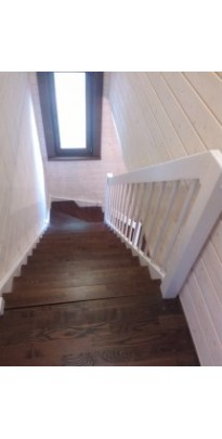 Лестница с поворотом на 90 градусов сосна + берёза (престиж)